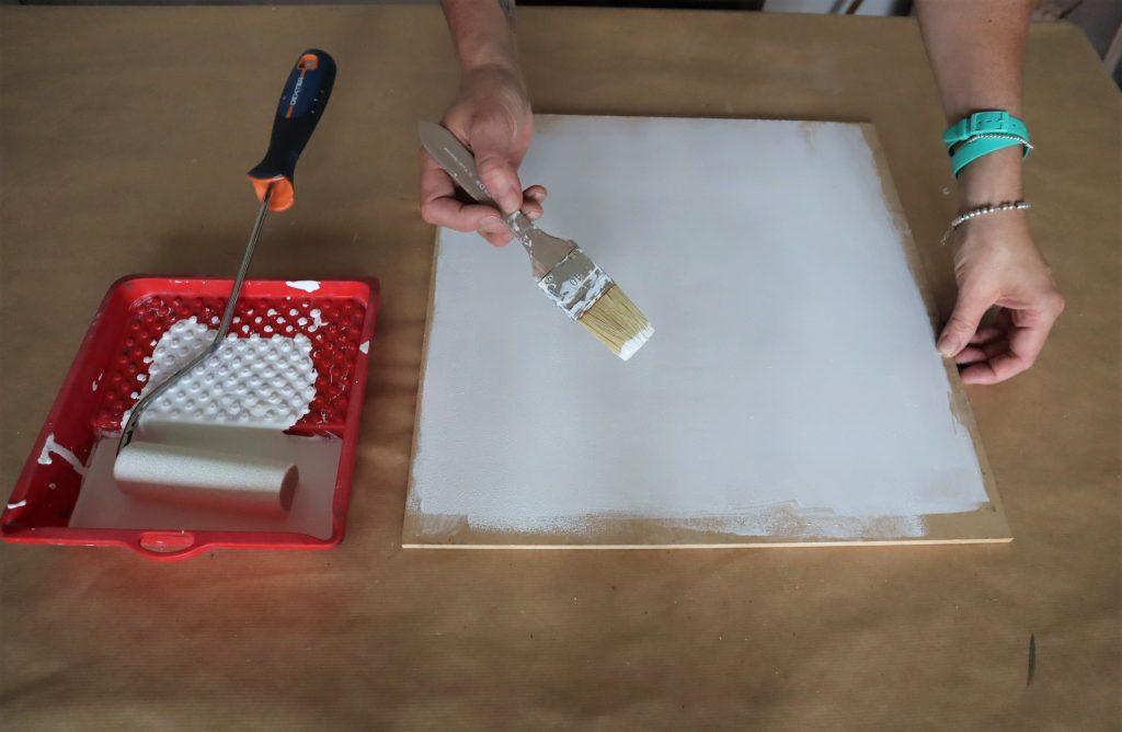 Pittura a smalto. Come usarla per il restyling dei mobili.