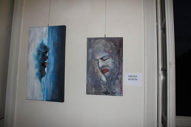 """quadri esposti , mostra """"si dice sull'acqua e unisce"""""""