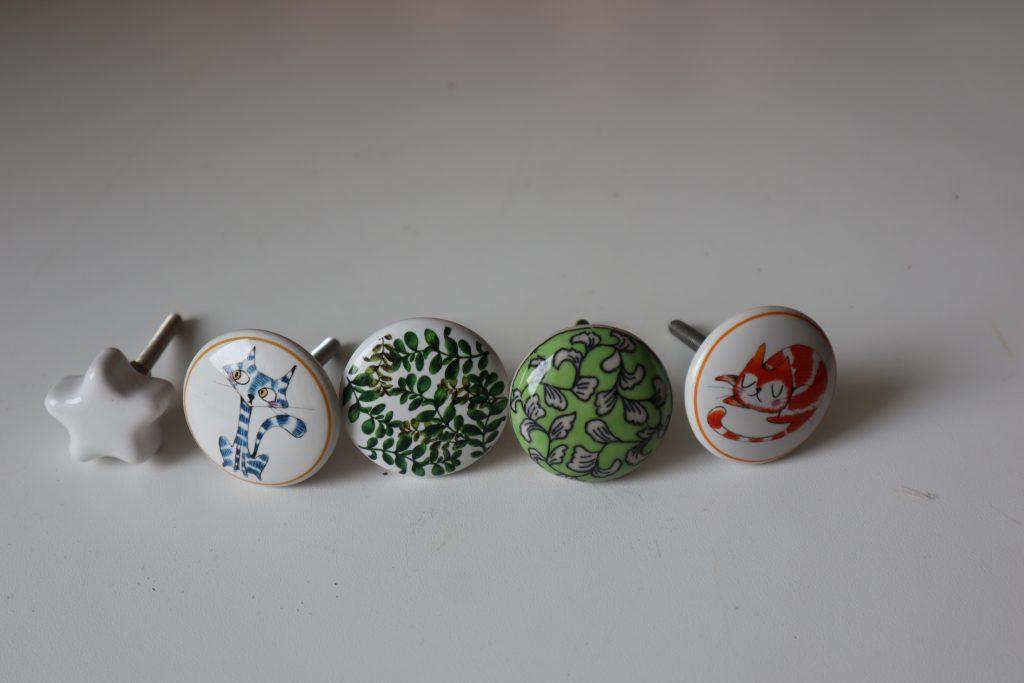 maniglie di ceramica con disegni diversi