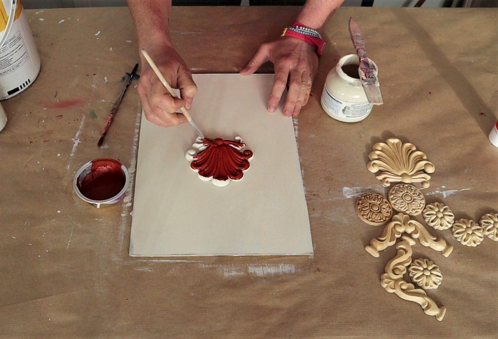 stesura acrilico ocra rossa su fregio