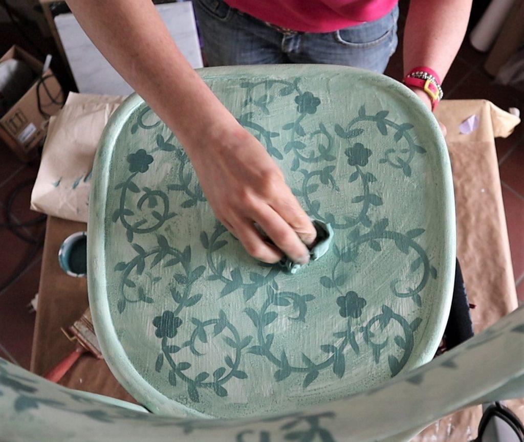 restyling sedia cenerentola durante la velatura