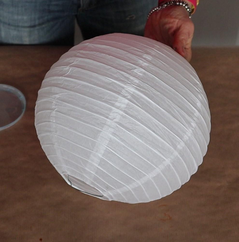 dare nuova luce partendo da un lampadario di carta